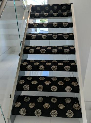 Fully Wrapped Staircase